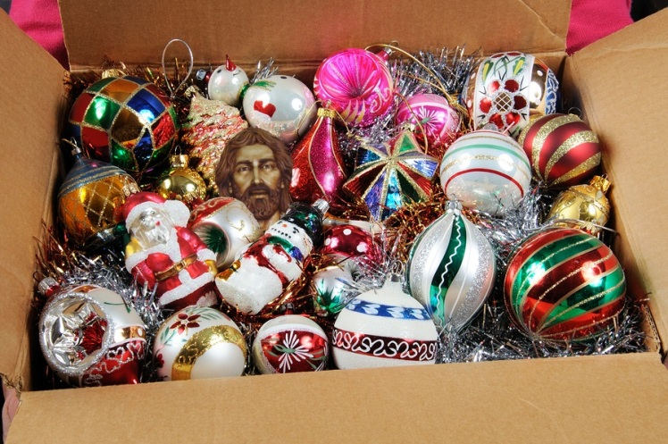 Ornaments-in-box.jpg
